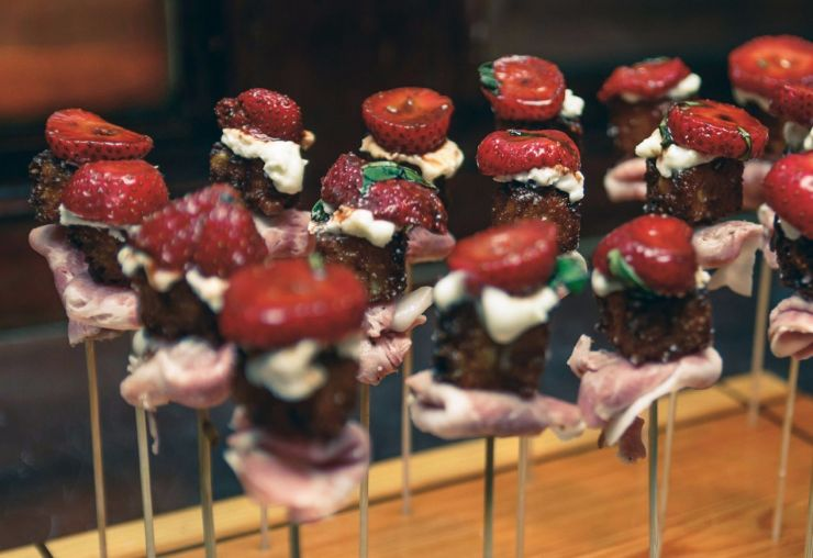 Hors d'oeuvres on standing skewers
